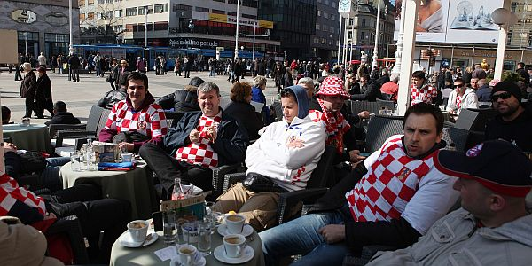 hrvatski navijaci uoci srbije zagreb2 by patrik macek pixsell
