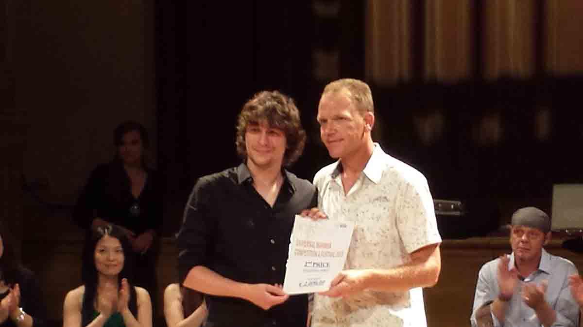 Filip prima nagradu