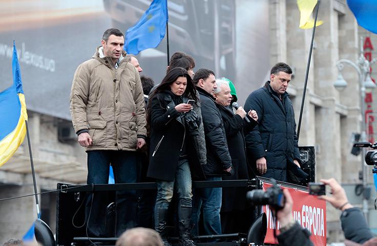 Jaroslaw-Kaczynski-and-V
