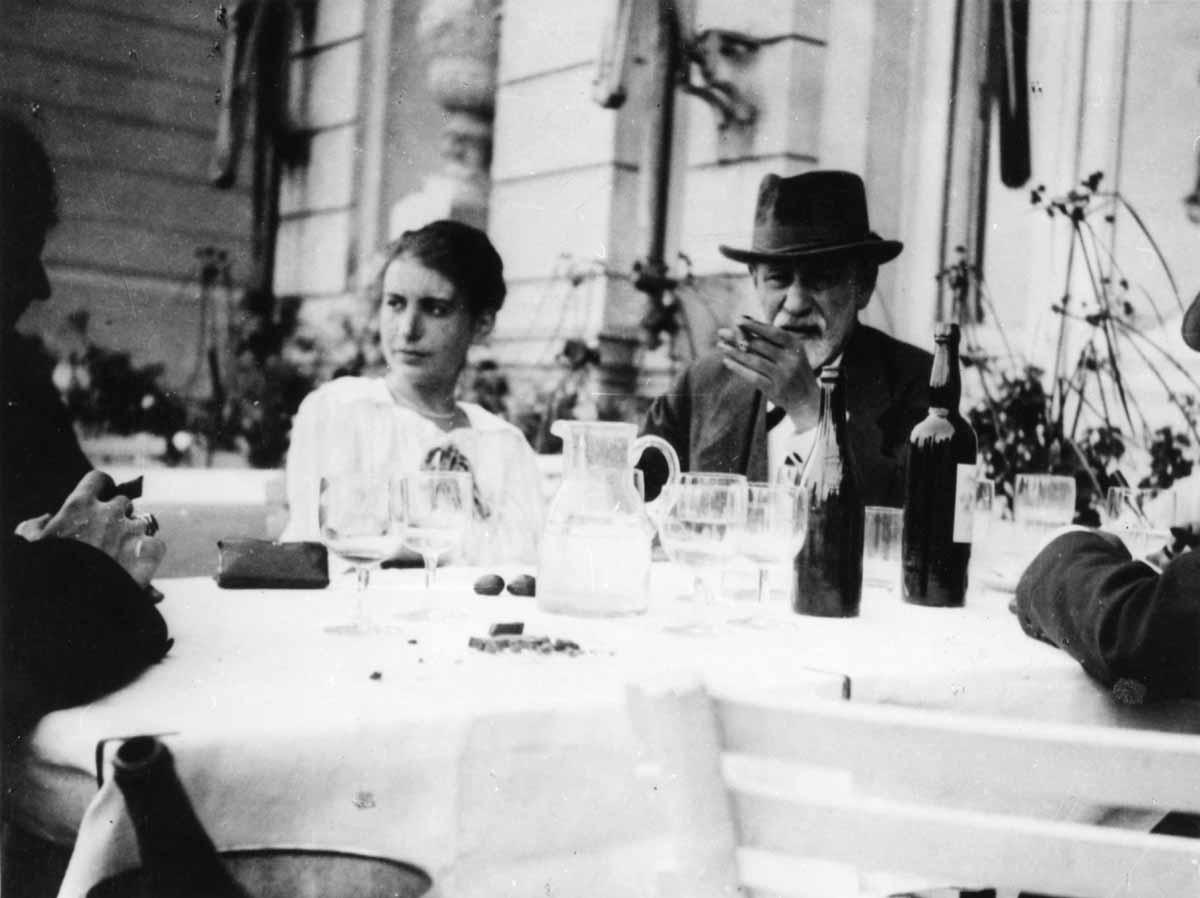 Sigmund i Anna Freud u Den Haagu c Sigmund Freud Privatstiftung