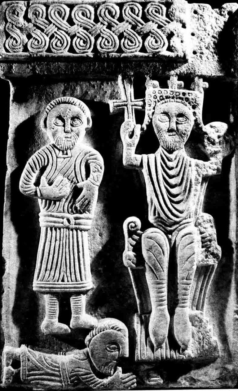 Papa šalje krunu, zastavu, mač i žezlo (40)
