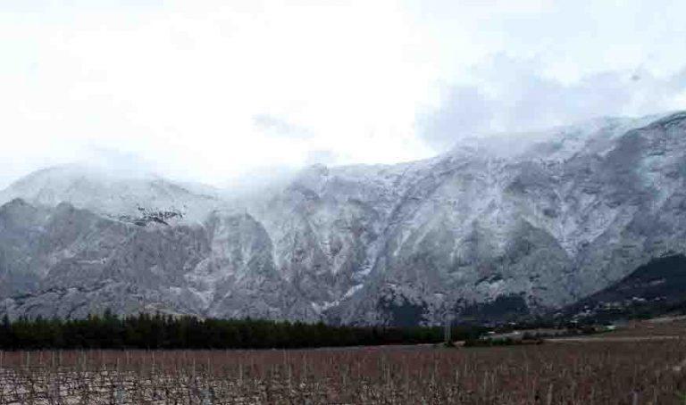 Na Biokovu snijeg, u Slavoniji poplave
