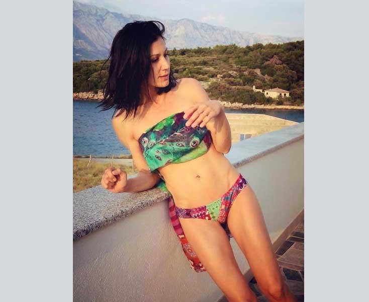 Ana Rucner fanove počastila slikom u bikiniju, a oni nju da je premršava