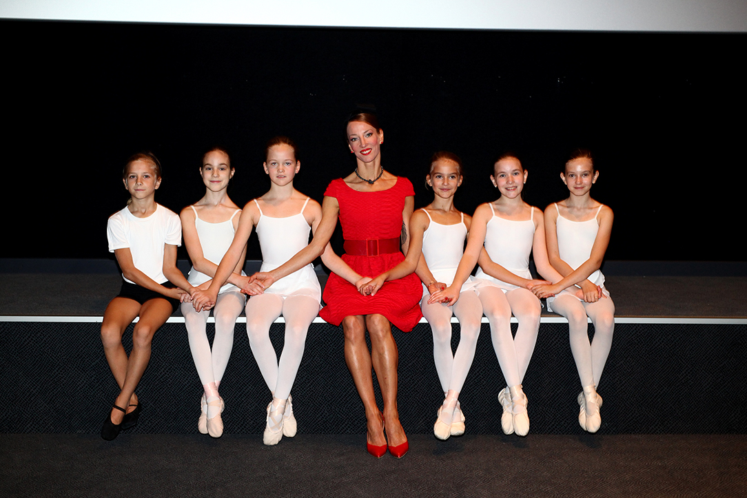 Edina Pličanić i polaznici Škole za klasični balet