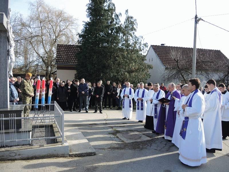 Hrvatski branitelji hodočastili u Voćin