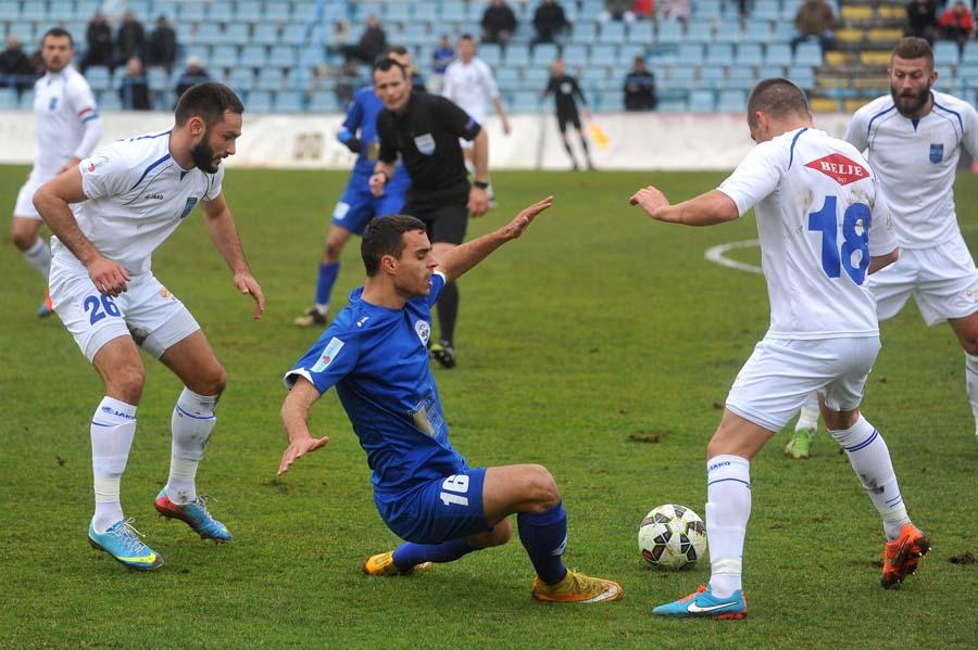 Zadar pobjegao sa začelja