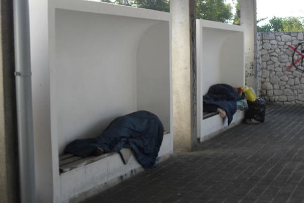 Beskućnici-na-kolodvoru