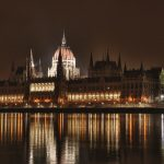 budapest parliament at night by evrwccn