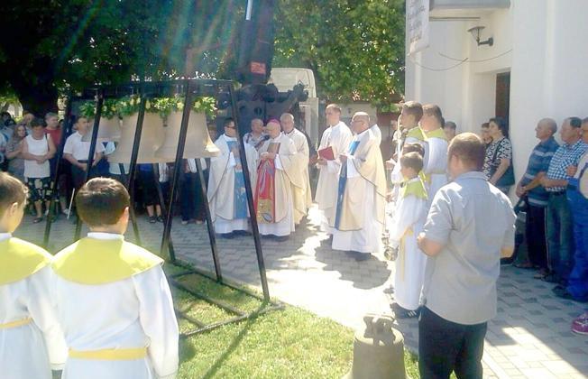 Blagoslovljena nova zvona na kapelici svetišta Gospe Ilačke
