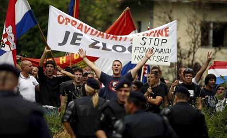 Od ministra unutrašnjih poslova Ostojića tražimo da zabrani četnički dernek u Srbu