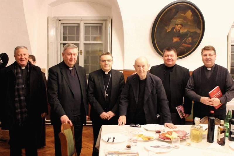 Biskupi Zagrebačke metropolije posjetili slavljenika fra Bonaventuru Dudu