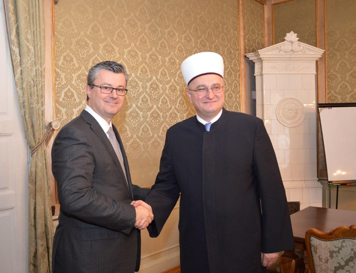 Predsjednik Vlade Tihomir Orešković sastao se s muftijom Azizom ef. Hasanovićem