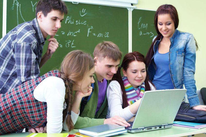 Što motivira srednjoškolce da odaberu više obrazovanje?