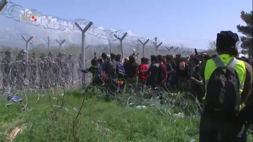 Policija suzavcem na migrante u Idomeniju