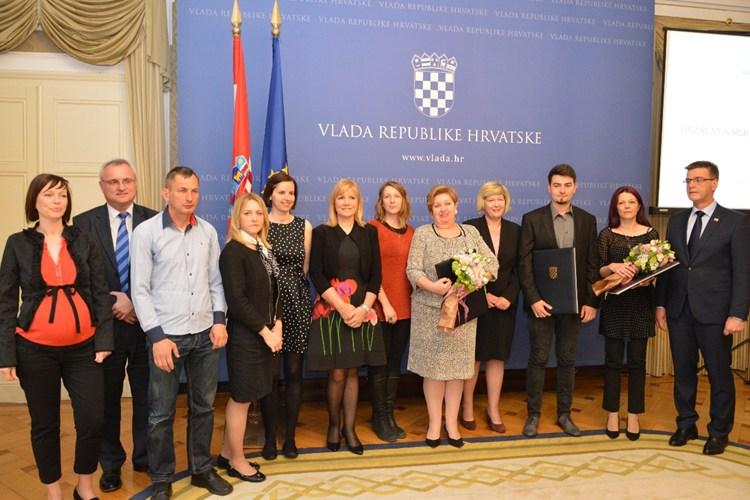 U Vladi dodijeljena Državna nagrada za volontiranje u 2015. godini