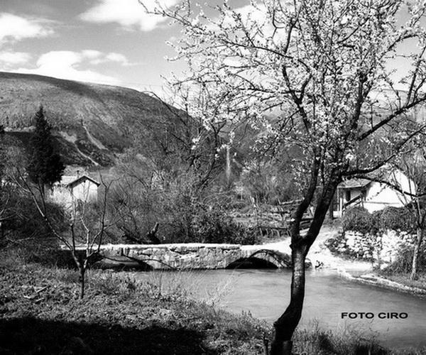 Fotografska priča Ćirila Ćire i Vladimira Raiča o mostovima Mostara
