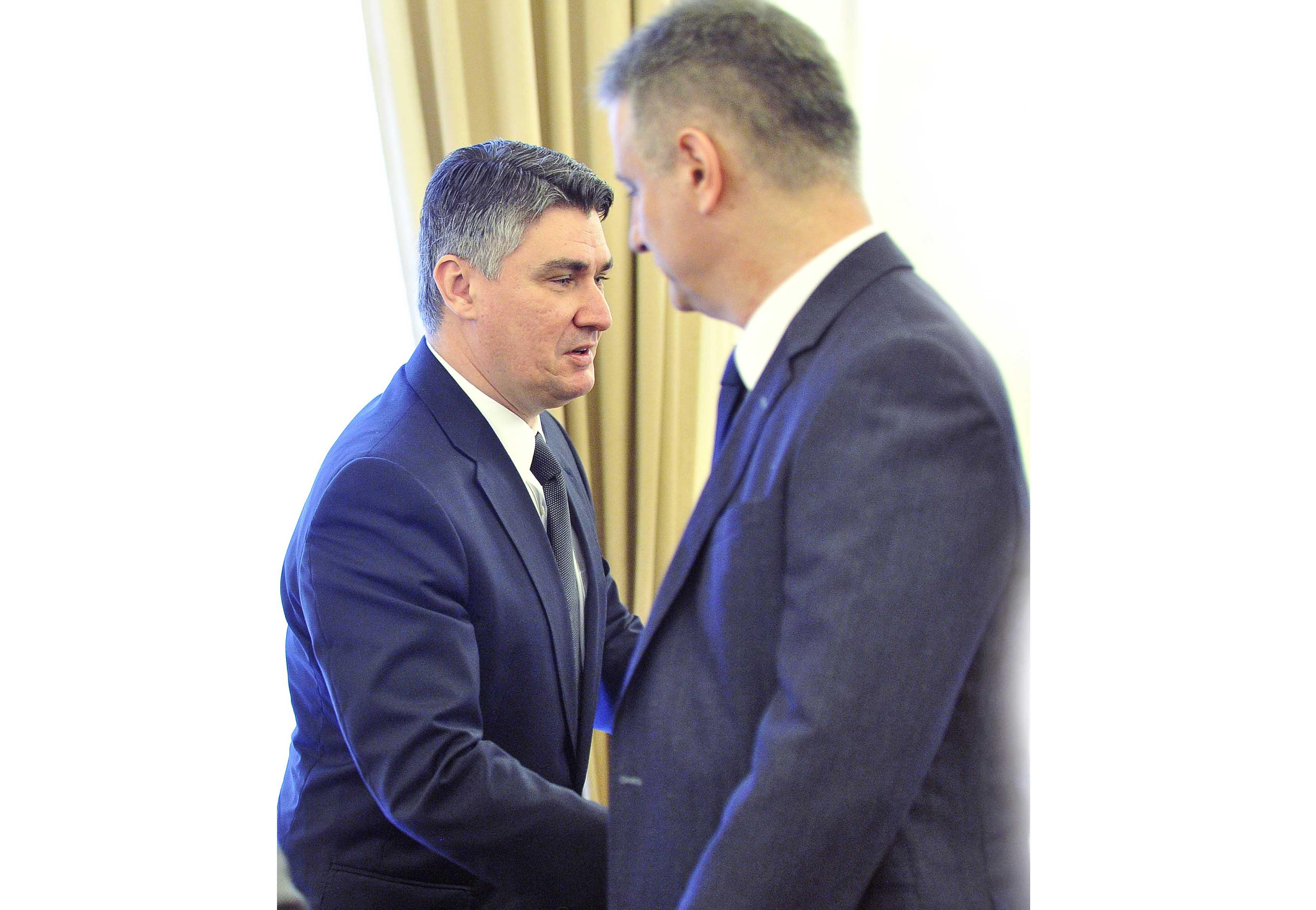 Jesu li Karamarko i Milanović svjesni da uništavaju   narod i državu?