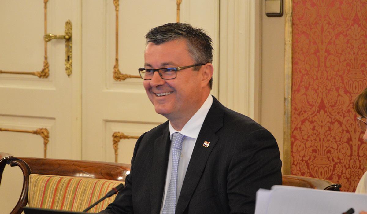 Premijer Orešković: Tehnička će vlada, u skladu s propisima, ispunjavati obveze i sve će službe redovno funkcionirati