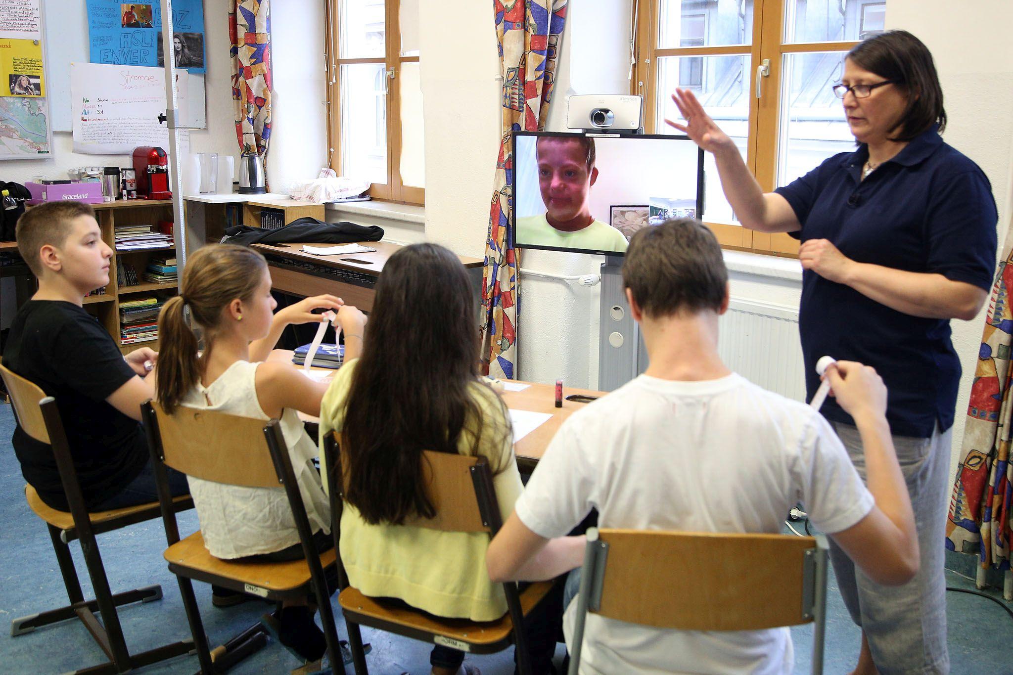 Virtualne učionice za oboljelu djecu u Beču i iduće godine