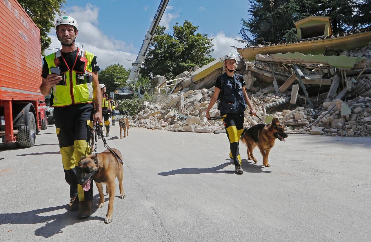U potresu u Italiji 250 mrtvih