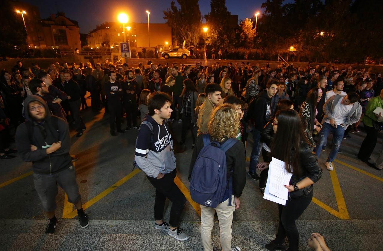 Plenum Filozofskog zahtijeva ostavku dekana i rektora ili će blokirati fakultet