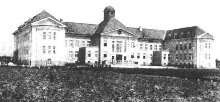 Sto godina Medicinskog fakulteta u Zagrebu