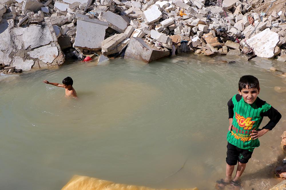 Aleppo: Rupe ispunjene vodom kao dječje igralište