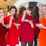 bivše Miss Universe Hrvatske i torta