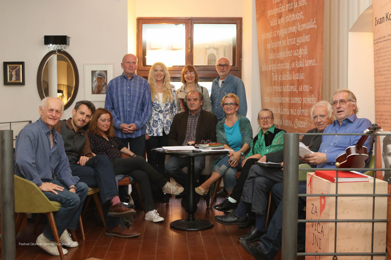 U Vinkovcima održana večer poezije Glumci pjesnici