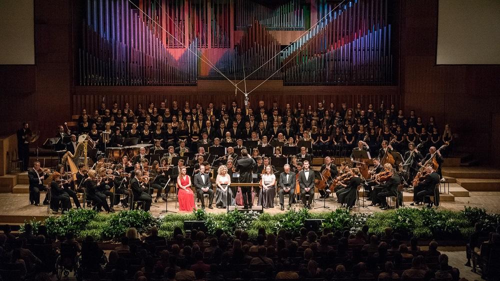 Koncert za život u sjećanje na Anu Rukavinu i maestra Vjekoslava Šuteja  u Lisinskom