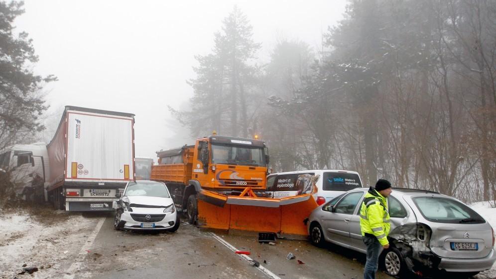 Zbog lančanog sudara još zatvorena cesta od Rupe do Pasjaka