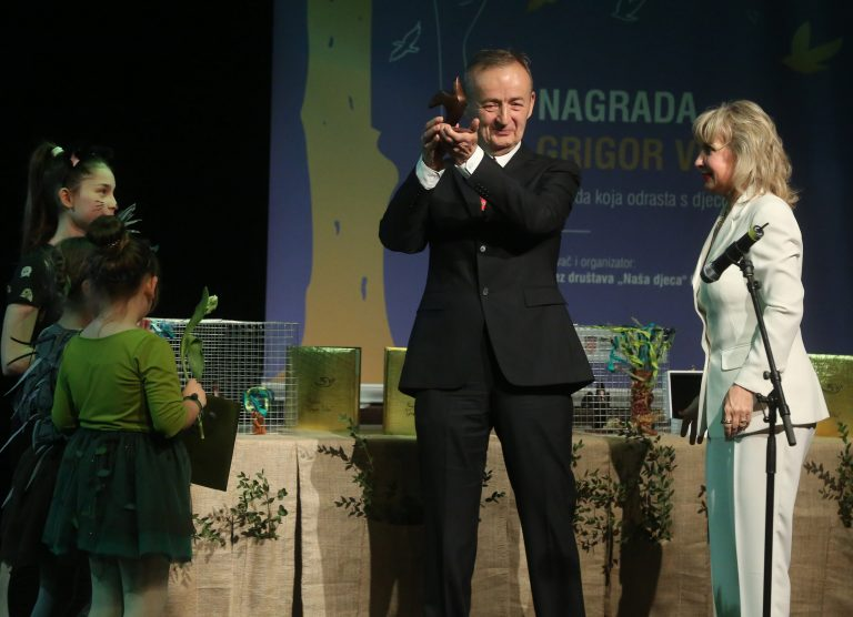 "Nagrade ""Grigor Vitez"" uručene Vladi Raiću i Neni Lončar"