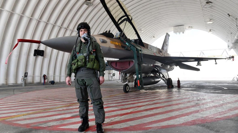"""Hrvatski pilot prvi put isprobao F-16 """"Barak"""""""