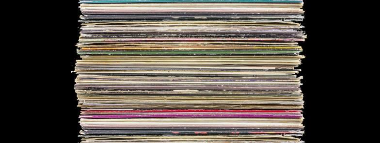 Novosti i najave iz Vinyla – Gospodari uspomena, prodajna izložba ploča i drugo…