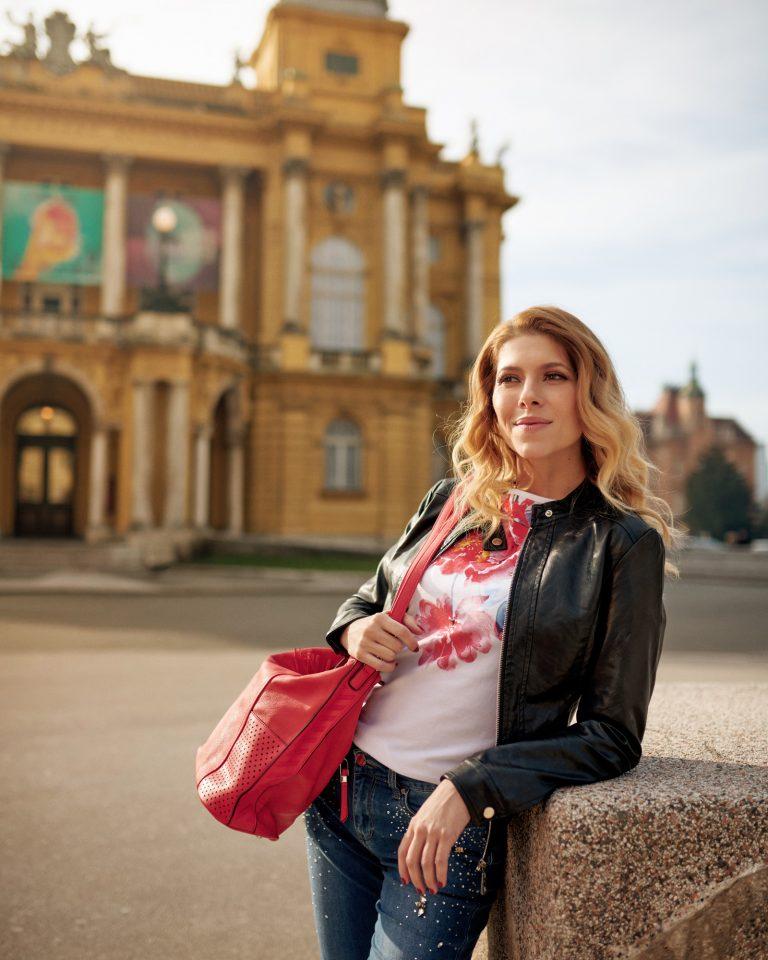 Modina je hrvatski modni brand namijenjen ženama