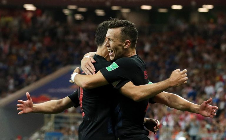 Hrvatska pobijedila Island 2:1 i ide u osminu finala protiv Danaca