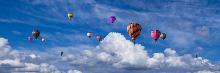 Stotinu balona na vrući zrak letjelo u povodu 100. rođendana Litve