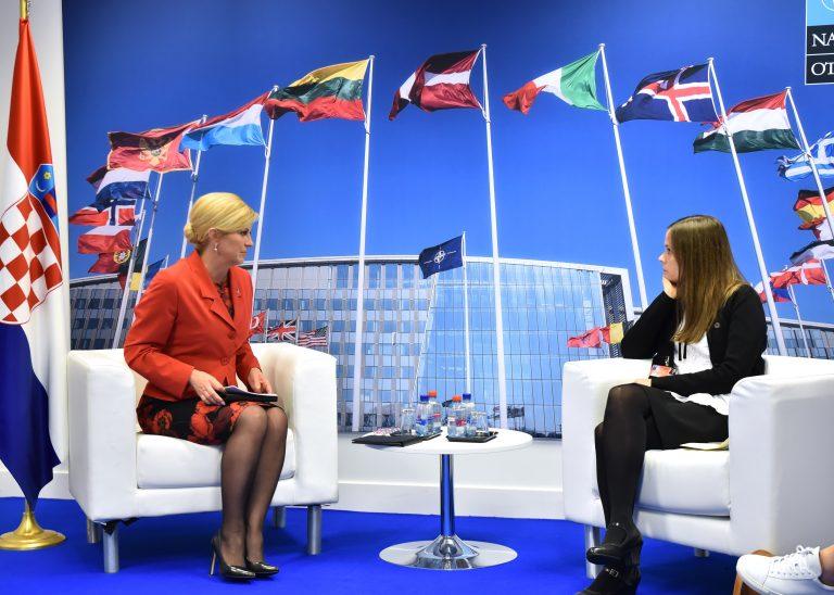 Premijer će bodriti Vatrene u Zagrebu, a predsjednica u Moskvi