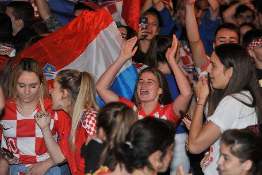 Gledanje utakmice osmine finala Hrvatska – Danska u Zagrebu