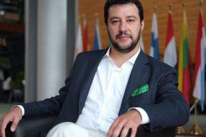 Italija ukida pojmove 'Roditelj 1 i 2″, a vraća 'Otac i Majka'