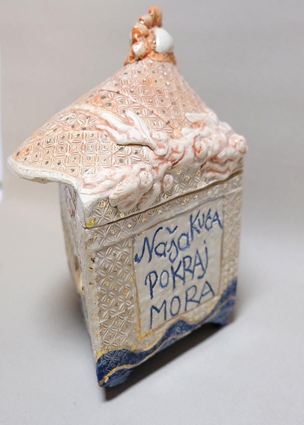 Habitat – bijenalna, tematsko-problemska žirirana izložba Sekcije za keramiku, porculan i staklo ULUPUH-a