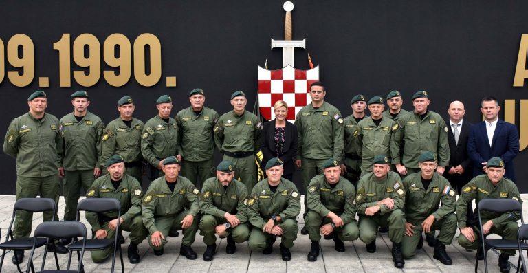 Predsjednica Republike posjetila Zapovjedništvo Antiterorističke jedinice Lučko