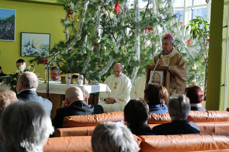 Biskup Josip Mrzljak pohodio Dom za starije i nemoćne osobe