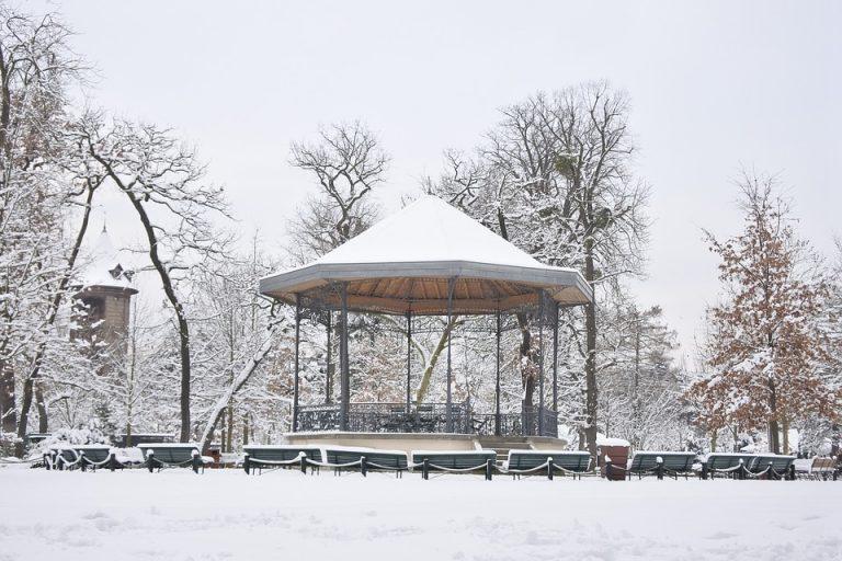U Francuskoj zbog snijega i leda bez struje više od 40.000 kućanstava
