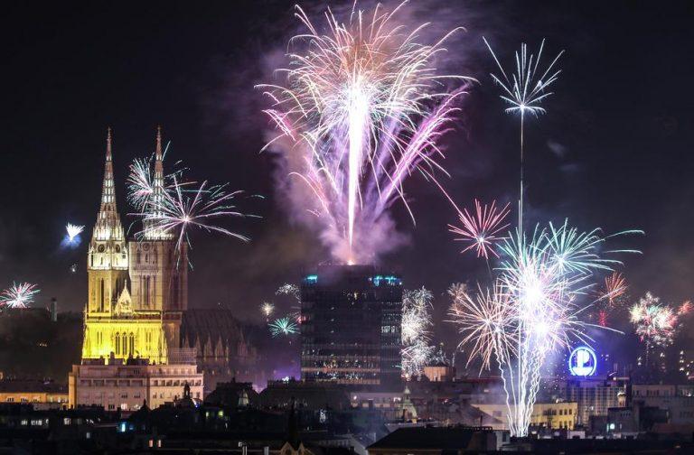 Slavlje i vatromet diljem Hrvatske – Sretnu novu godinu želi Vam Akademija Art