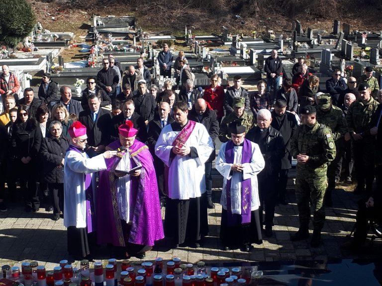 Biskup Bogdan predslavio misu u spomen na 25. obljetnicu smrti Damira Tomljanovića Gavrana