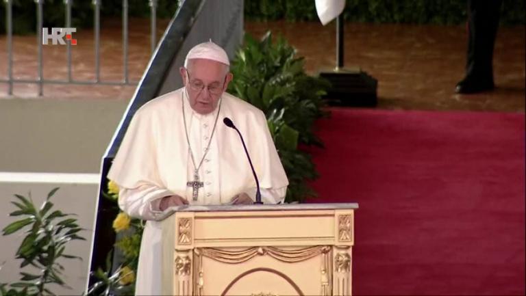 """Papa Franjo prati krizu u Jemenu s """"velikom zabrinutošću"""""""