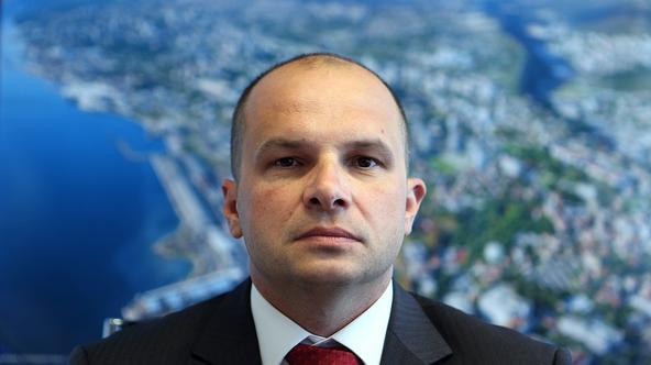 'Predsjednica je estrada, a Milanović državnik. Sigurno bi je pobijedio na izborima'