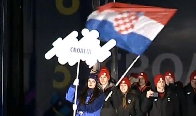 Sarajevo – 20.000 ljudi pljeskom pozdravilo mlade Hrvate, političari pobrali zvižduke