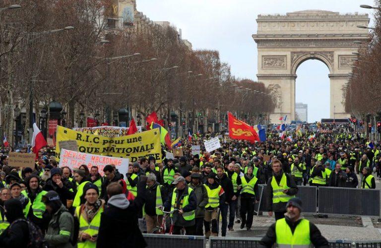 Kaos na ulicama Pariza: Najbrutalniji okršaji žutih prsluka i policije